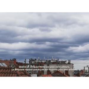 Carte postale ciel bleu de Bruxelles. Tierceline
