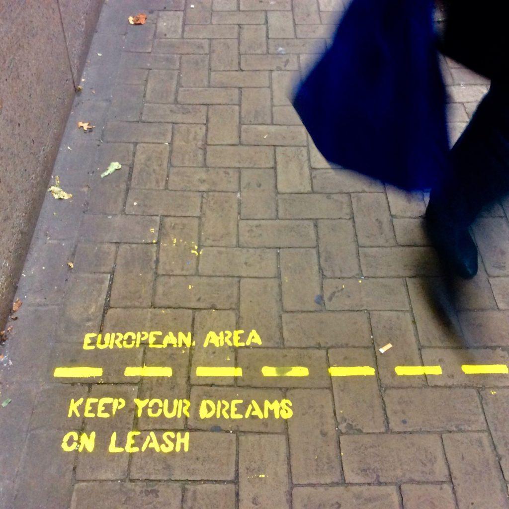 european area keep your dreams on leash, Tierceline